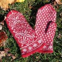 Winter Wonderland Mittens (Free)