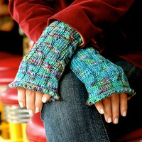 Cabled Wrist Warmers PDF