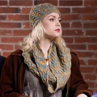 2585 Fan Shell Hat & Cowl